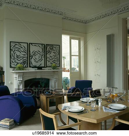 Extracto, cuadros, sobre, chimenea, en, residenciaurbana, comedor ...