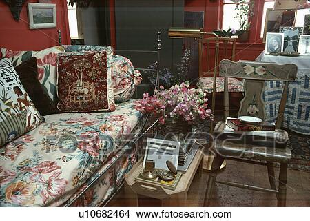 Pleasant Floral Sofa In Traditional Red Living Room Picture Gmtry Best Dining Table And Chair Ideas Images Gmtryco
