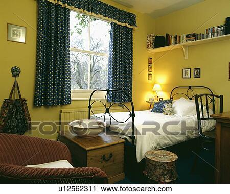 Mensola sopra singolo lavorato ferro letto in giallo for Mensola sopra letto