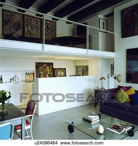 Mezzanine, galerie, au-dessus, cuisine, dans, openplan, vivant, et, salle  manger, dans, moderne, grenier, conversion Image