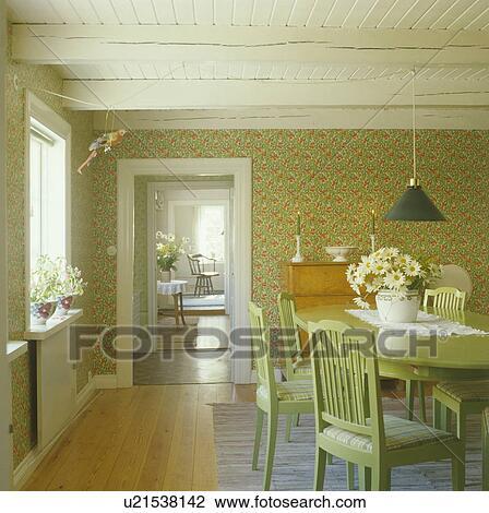 Esszimmer Tapezieren | Stock Foto Pastell Gruner Tisch Und Stuhle In Skandinavisch