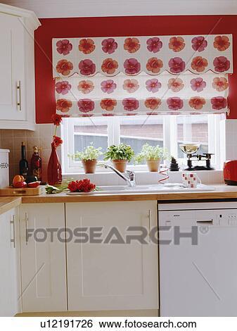 Stock Bilder Rot Weiss Blumen Nachgebildet Blenden Auf Rote