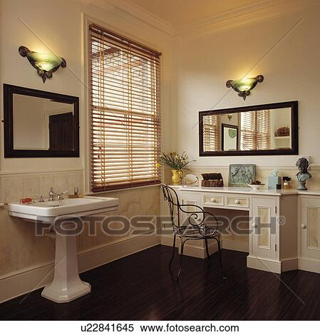 Banque d\'Image - art, Deco-style, mur, lumières, et, slatted, bois ...