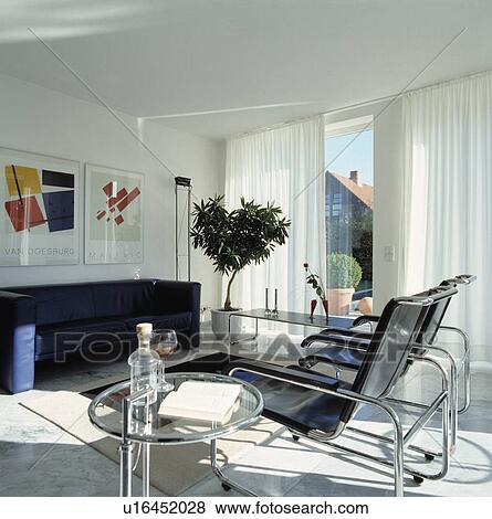 Eileen, Grau, Glas, Und, Chrom, Tisch, In, Modernes, Weiß, Wohnzimmer, Mit,  Leder, Und, Chrom, Stühle