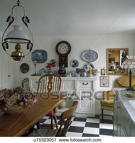 Banco de Fotografías - estilo victoriano, linterna, sobre, tabla de ...