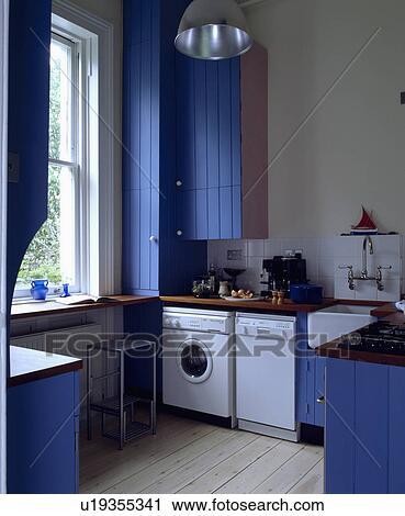 Archivio fotografico - freestanding, lavapiatti, e, lavatrice, in ...