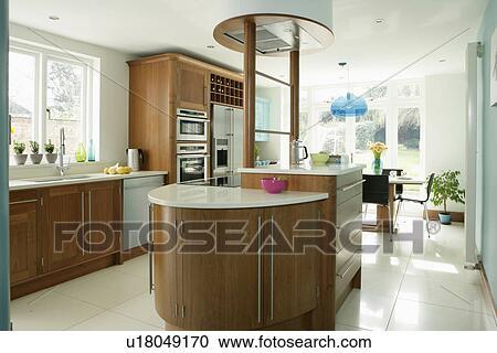 Moderno, bianco, cucina, con, bianco, ceramica, mattonelle pavimento ...