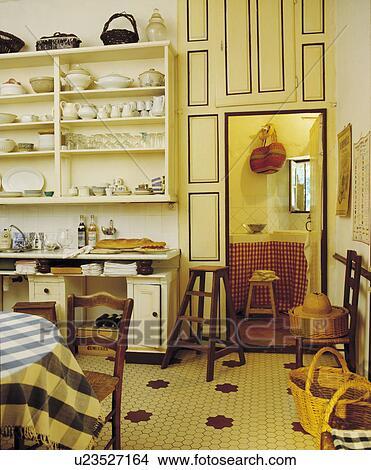 Archivio Fotografico - pavimento pavimentato, in, francese, sala da ...