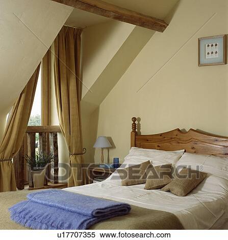 Stock Afbeelding - beige, gordijnen, op, venster, in, room ...