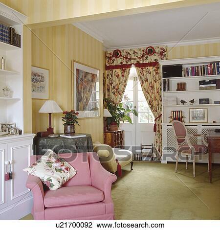 Stock Foto - gestreift, gelb, tapezieren, und, rosa, sessel, in ...
