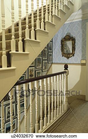 Images mur, de, escalier, à, crème, rampes Banque d\'Image