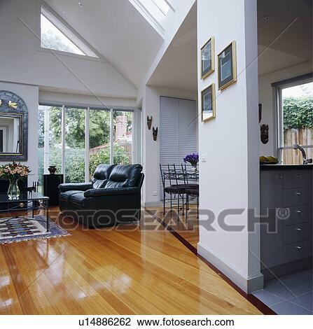 Archivio Fotografico - moderno, bianco, soggiorno, con, pavimenti di ...