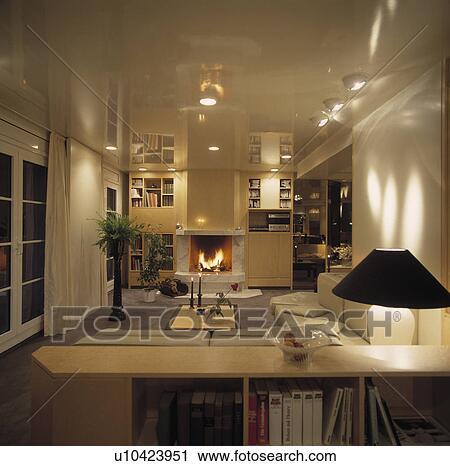 Moderno, bianco, soggiorno, luminoso, notte Archivio Immagini