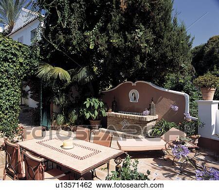 Colección de foto - muebles, en, patio, en, jardín del país, en ...