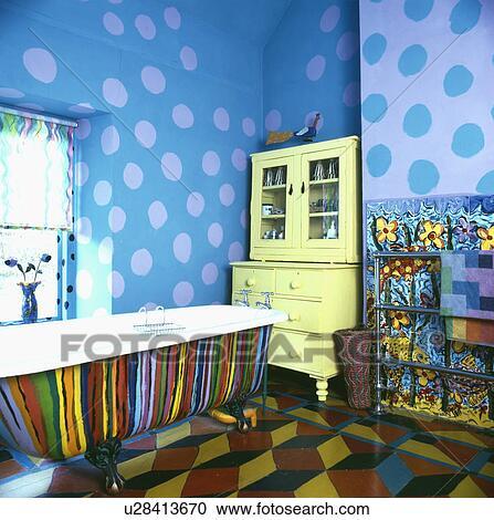 Multi Coloré Peint Bain Bleu Tacheté Peinture Effet Murs