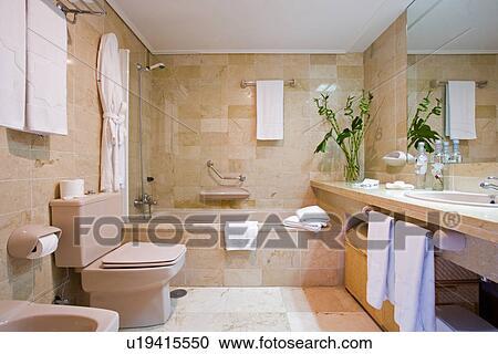 Archivio fotografico neutrale moderno bagno con marmo