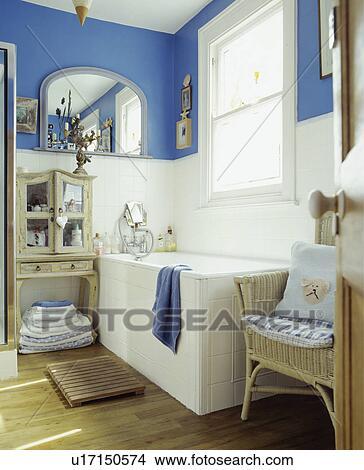 Traditionelle, blau weiß, familie, badezimmer Bild