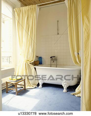 Teppich gezeichnet  Bilder - langer, gelbe vorhänge, gezeichnet, back, to, enthüllen ...