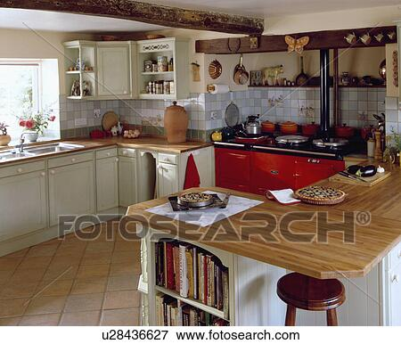 traditional cottage kitchens picture of aga oven in traditional cottage kitchen 2893