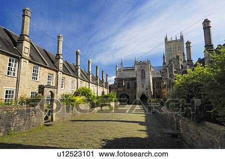 England, Somerset, Wells, Wells Cathedral viewed from Vicars Close  Thought  to be the oldest planned street in Europe, the close and the cottages were