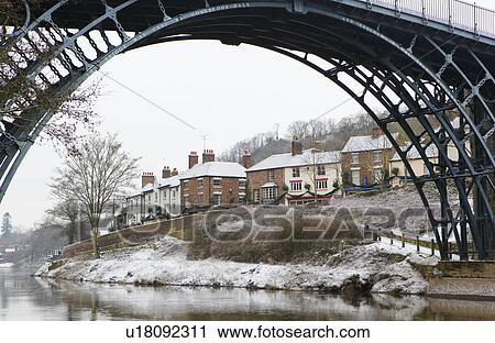 England Shropshire Ironbridge The Famous Iron Bridge Over River Severn At Gorge In Winter