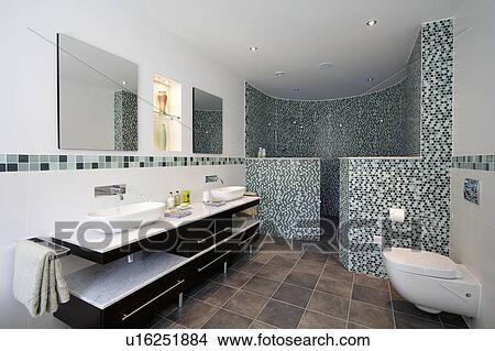 Bowl-style, bassins, sur, marble-topped, vanité, unité, dans, moderne,  salle bains, à, courbé, verre, mosaïque, murs, sur, douche, secteur Image