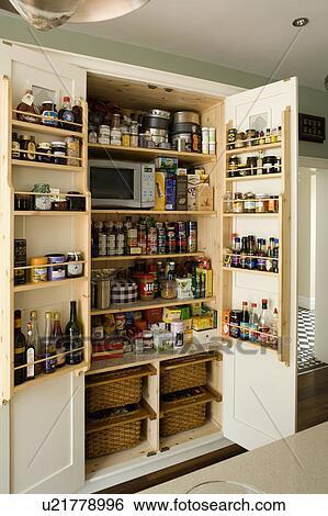 banque d 39 images garde manger placard stockage. Black Bedroom Furniture Sets. Home Design Ideas