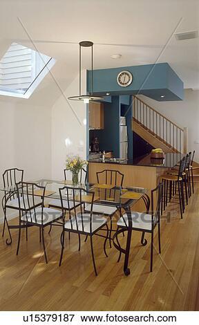 Glastisch, und, metall, stühle, mit, weiß, sitze, in, modernes ...