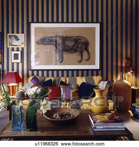 Stock Bilder - groß, bild, oben, gelb schwarz, wide-striped, sofa ...
