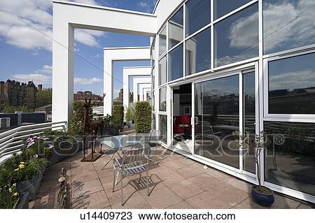 Archivio Fotografico - pavimentato, tetto, terrazzo, esterno ...