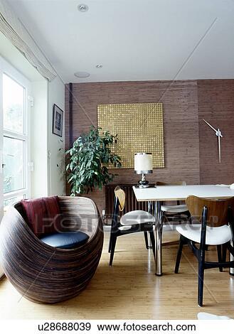 Coleccion De Fotografia Rota Silla Y Bambu Papel Pintado En - Comedores-pintados-modernos