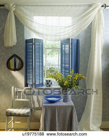 Weiß Voile Vorhänge Blau Plantage Fensterlaeden Auf