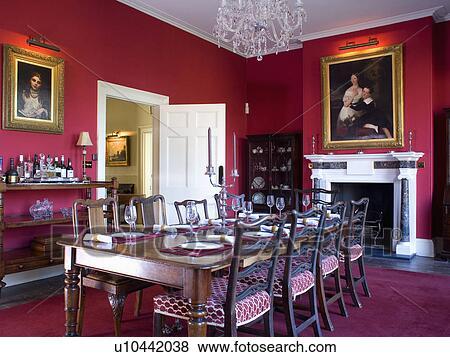 Images Antiquite Acajou Table Et Chaises Dans Rouges Salle