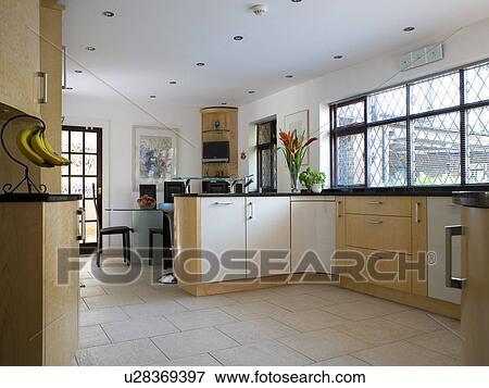Crema, ceramica, mattonelle pavimento, in, moderno, paese, cucina, sala da  pranzo Archivio Fotografico
