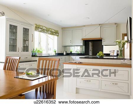 Grande, moderno, crema, cucina, sala da pranzo, con, legno, tavola ...
