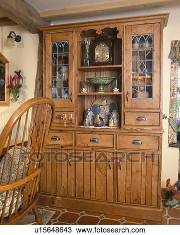 Grande, vecchio, pino, credenza, in, cottage, cucina ...