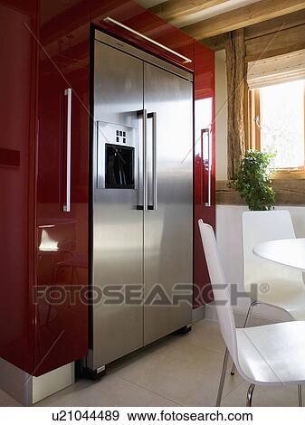 Groß, rostfreiem stahl, american-style, fridge-freezer, in, modernes,  kueche, esszimmer Stock Foto