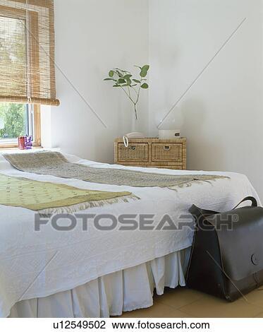 Stock Foto - hippe, witte, slaapkamer u12549502 - Zoek Stock ...