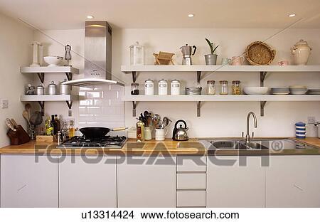 Archivio Fotografico - mensole, sopra, cucina, unità, con, andato ...