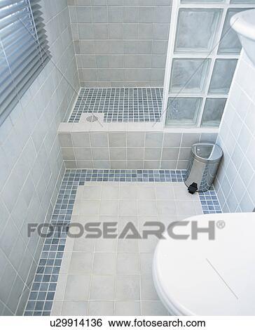 Banque d\'Images - moderne, bleu, carrelé, salle bains, à, brique ...