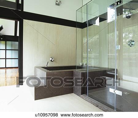 Noir, granit, bain, dans, moderne, salle bains, à, verre, douche, cabinet  Banque de Photo