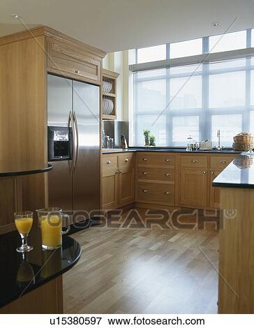 Rostfreier stahl, american-style, kühlschrank, in, modernes, kueche ...