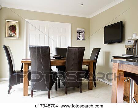 Schwarzes Leder, Stühle, Und, Holz, Tisch, In, Modernes, Beige, Esszimmer