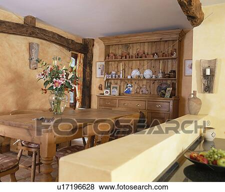 Fotos - tabla de madera, y, sillas, en, tradicional, país, cocina ...