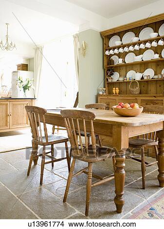 Vecchio, pino, tavola, e, sedie, in, paese, cucina, con ...