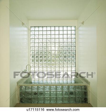 Glas ziegelstein, fenster, oben, glas ziegelstein, bad, in, modernes,  badezimmer Stock Fotograf