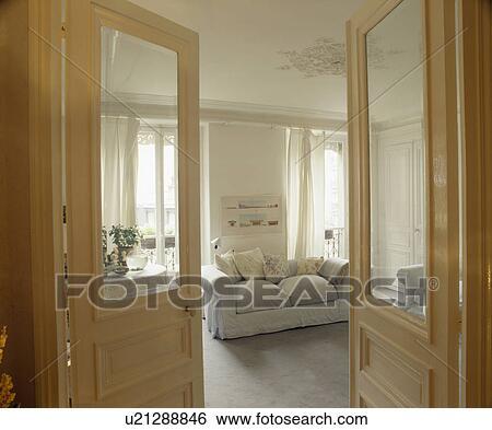 Stock Afbeeldingen - half-glazed, dubbele deuren, open, om te ...