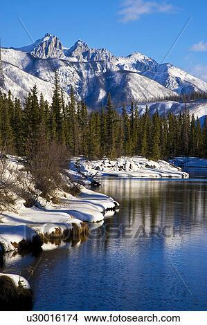 Banque de photo vertical paysage hiver image de une for Foto per desktop inverno