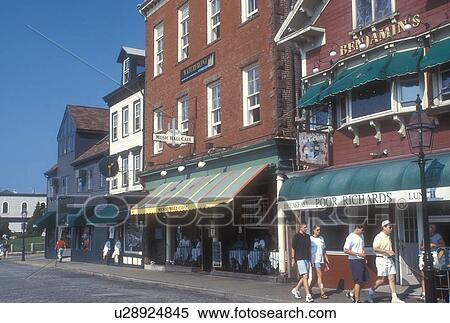 Newport Rhode Island S And Restaurants Along Street In Downtown Stock Photography