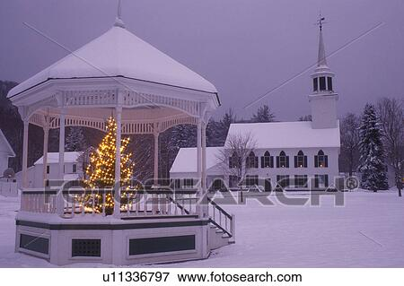 Christmas In Vermont.Vermont Church Christmas Gazebo And The Townshend Church On A Snow Covered Green At Night In Townshend An Evergreen Tree With White Lights